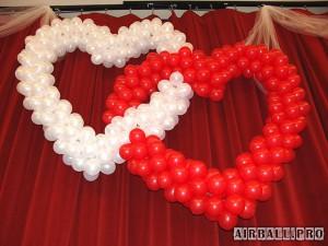Переплетенные сердца из воздушных шаров 2