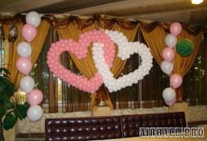 Переплетенные сердца из воздушных шаров 3