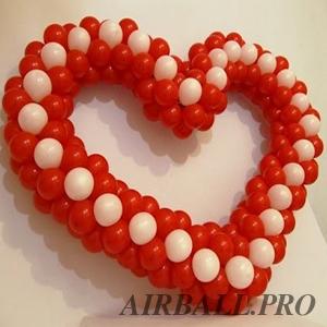 Фигуры из воздушных шаров - сердце