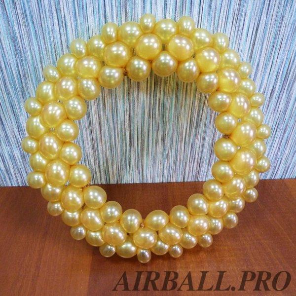 Обручальное кольцо из шаров